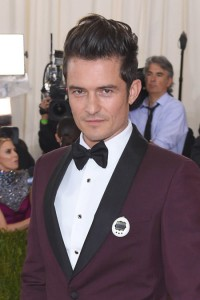 """Photo by: KGC-301/starmaxinc.com STAR MAX 2016 ALL RIGHTS RESERVED Telephone/Fax: (212) 995-1196 5/2/16 Orlando Bloom at """"Manus x Machina: Fashion In An Age of Technology"""" Costume Institute Gala. (Metropolitan Museum of Art, NYC)"""